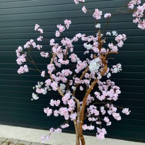 roze nep bloesemboom